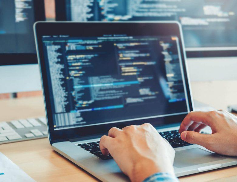 Quelle formation choisir pour se reconvertir en informatique